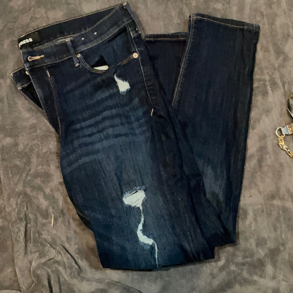 Express Jean 2 for price of one